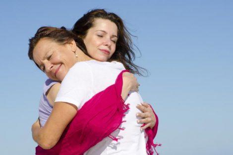 Abrazar es acariciar el alma de una persona