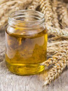 Aceite de germen de trigo para el cabello: qué es, beneficios y receta