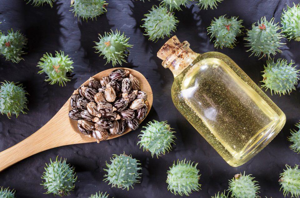 Aceite de ricino para hacer crecer las pestañas