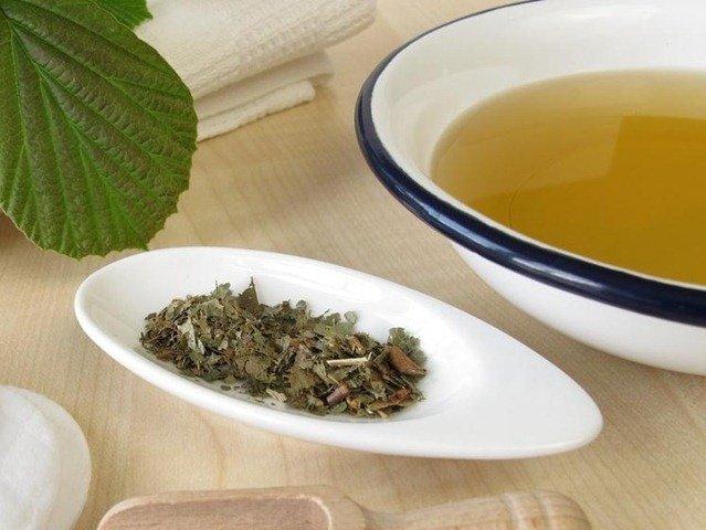 agua-floral-hamamelis-remedios