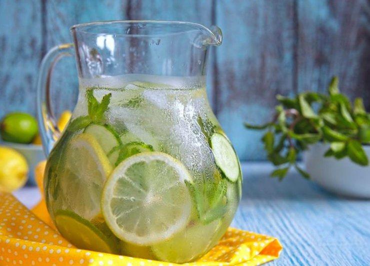 Beneficios del agua con limón y pepino