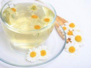 Aguas florales: propiedades, beneficios y cómo usarlas