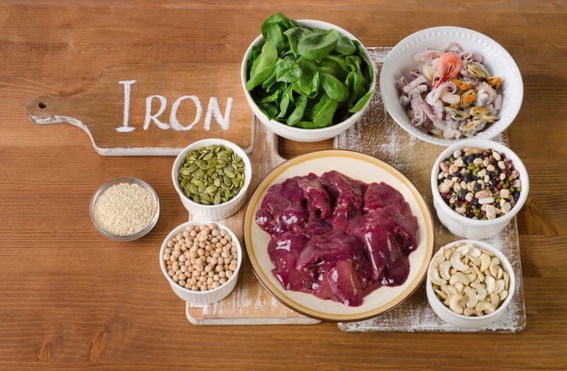 Los mejores alimentos para facilitar la absorción del hierro