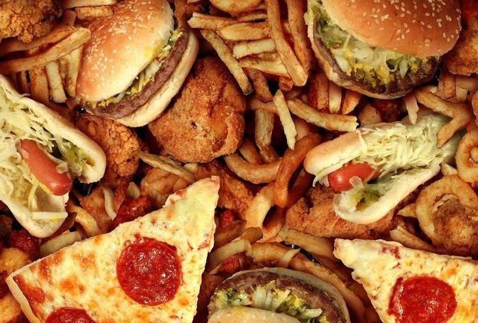 Los peores alimentos que puedes comer si sigues una dieta