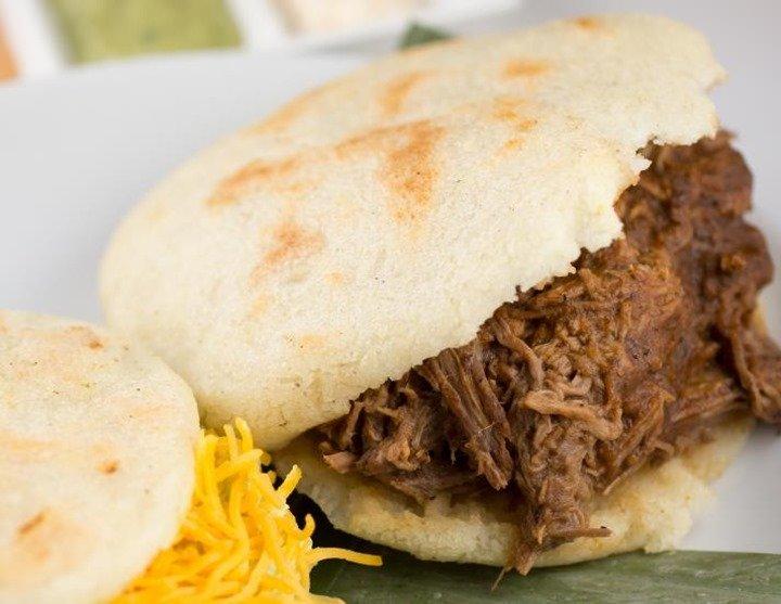 arepas-venezolanas-carne