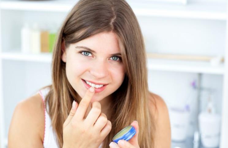 Aumentar los labios naturalmente