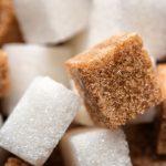 ¿El azúcar moreno es más sano que el azúcar blanco? Diferencias