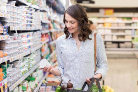 Cómo saber cuánto azúcar tiene un yogur cuando vayas a comprarlo