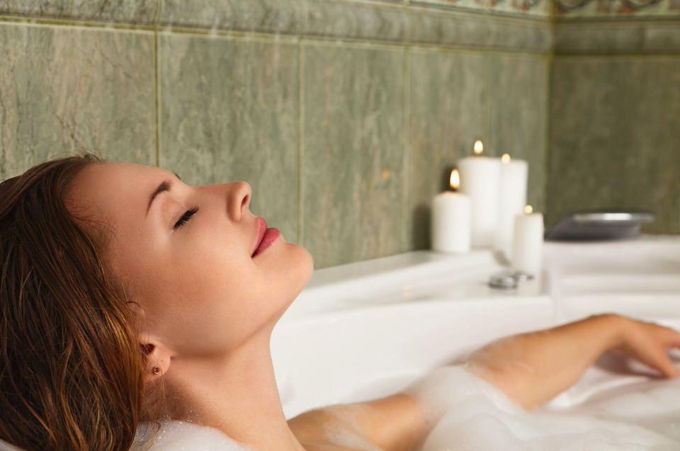Baños tibios para la piel atópica