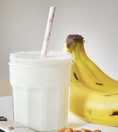 Batido de almendras y plátano
