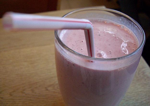Batido de coco y fresa con leche de soja