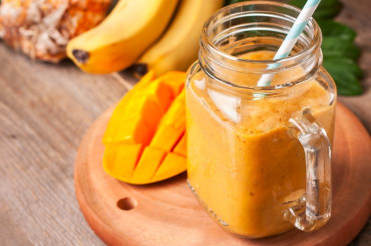 Batido digestivo de piña y mango