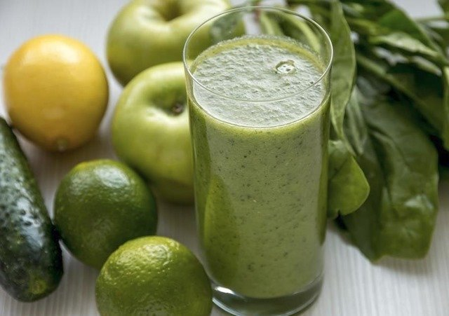 5 recetas de batidos verdes llenos de beneficios y propiedades