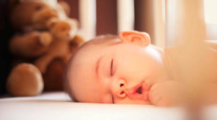 Bebé durmiendo boca abajo