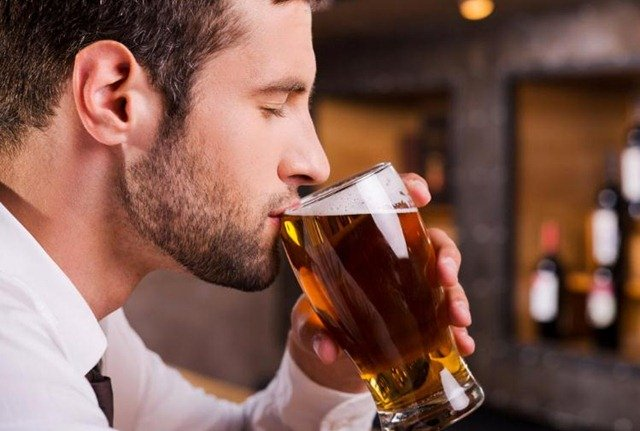 beber-cerveza-engorda