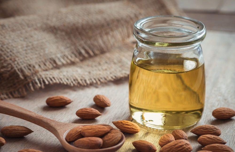 Beneficios del aceite de almendras para las estrías