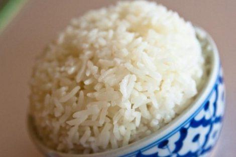 Los maravillosos beneficios del agua de arroz