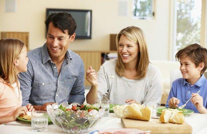 beneficios-comer-en-familia