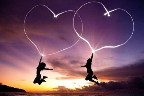 Los beneficios de hacer el amor con salud y sus riesgos