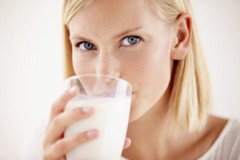 La importancia de la leche en nuestra salud: beneficios y propiedades nutritivas