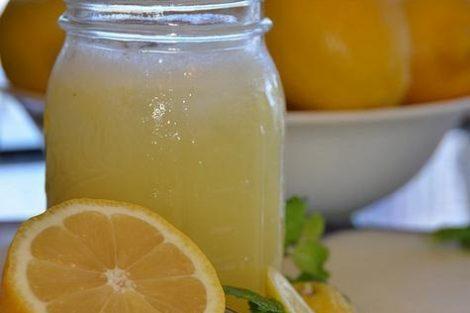 Los beneficios de beber limonada cada día