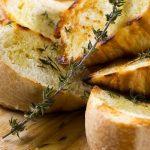 Por qué el pan con aceite de oliva es tan bueno para la salud