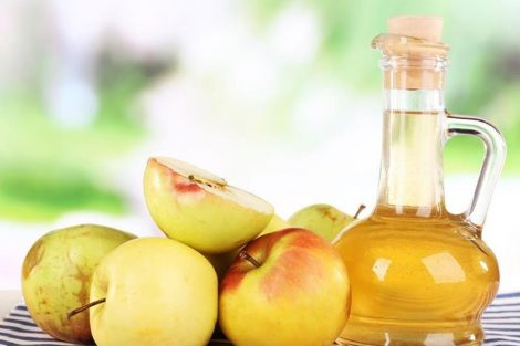 Por qué es bueno tomar vinagre de manzana en ayunas y diariamente
