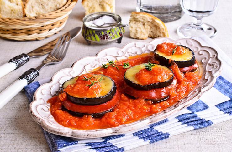 Berenjenas al horno con tomate