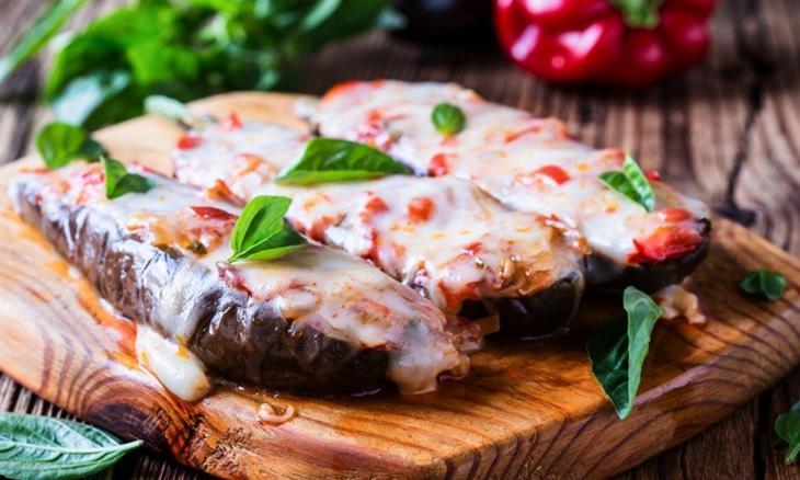 Berenjenas rellenas con mozzarella