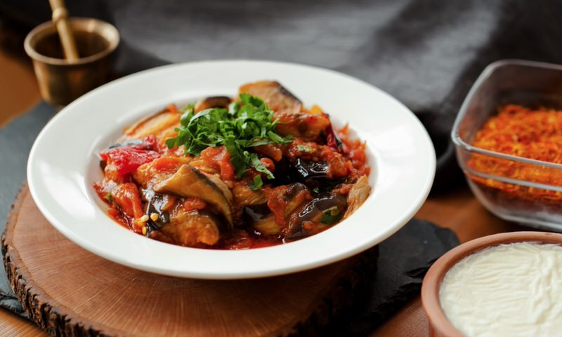 Receta de berenjenas con salsa de tomate