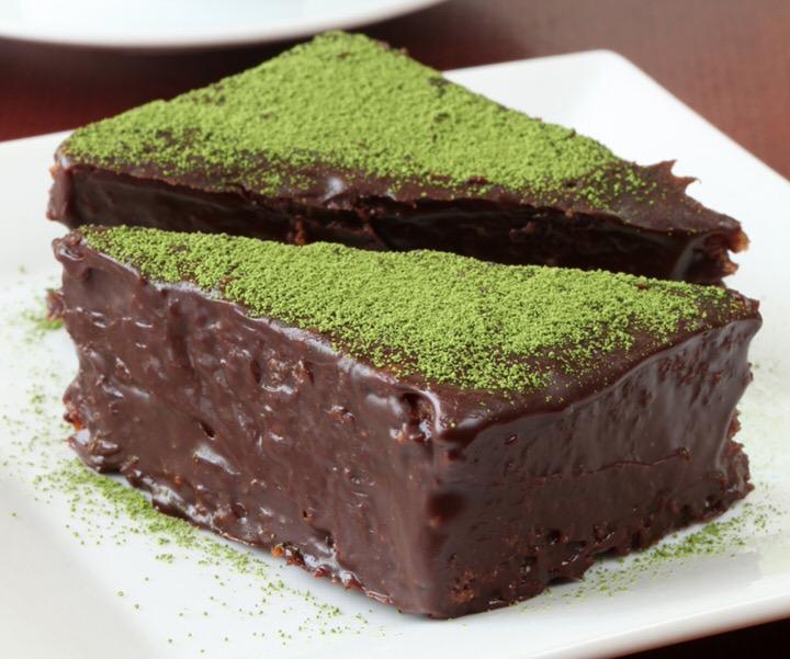 Cómo hacer bizcocho de chocolate y matcha