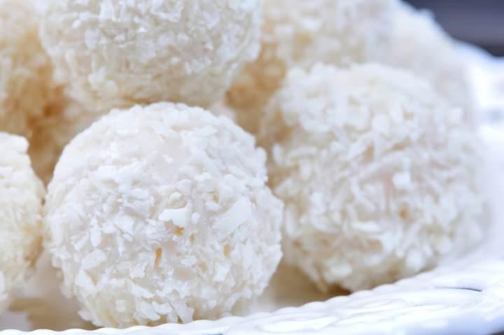 Bolas dulces de almendra y coco