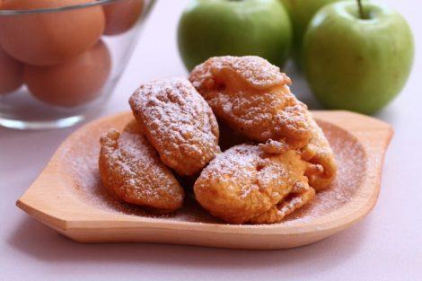 Buñuelos de manzana: receta dulce de Semana Santa