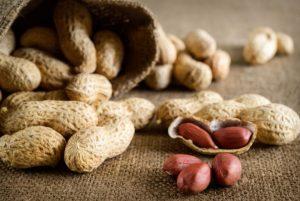 Cacahuetes: 5 beneficios de los manises que no te puedes perder