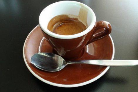Por qué no es bueno beber café en ayunas