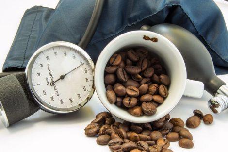 ¿Se puede tomar café con hipertensión? ¿Es seguro?