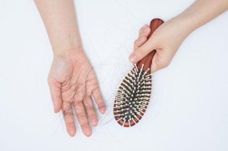 ¿Por qué se cae el pelo en otoño? Cómo remediarlo y cuidarlo