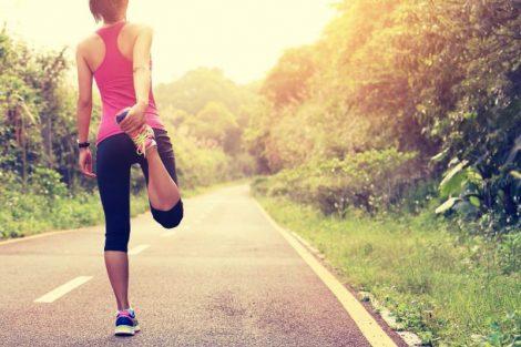 Calentar antes, después del ejercicio y cómo estirar correctamente