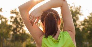 Consejos para evitar lesiones: calentamiento previo al ejercicio y estiramientos después