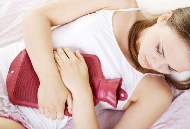 Los beneficios de la bolsa de agua caliente contra el dolor de la menstruación