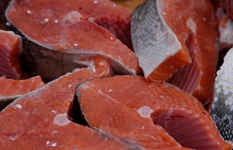 Cuántas calorías aporta el pescado