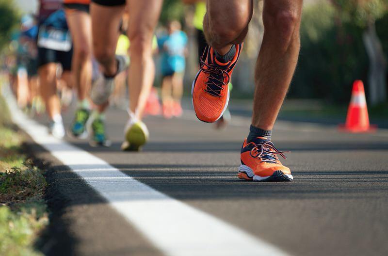 Escoger el calzado adecuado a la hora de correr es fundamental
