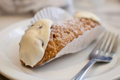 Cañas fritas rellenas de Carballiño, receta de este dulce de Galicia