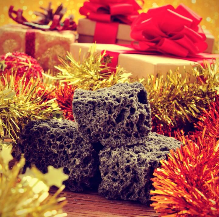 El origen del carbón dulce navideño