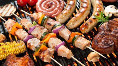 Los riesgos de comer carne a la parrilla