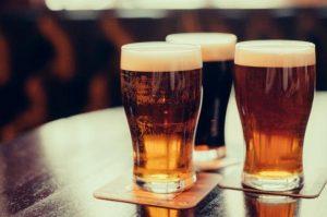 ¿La cerveza engorda? El mito de la barriga cervecera y su consumo en dietas