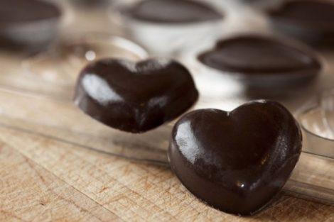 El chocolate y sus potentes efectos para reducir el colesterol