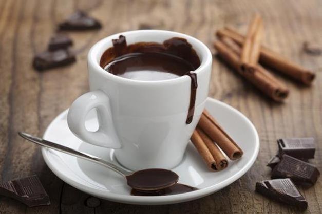 Chocolate caliente con canela