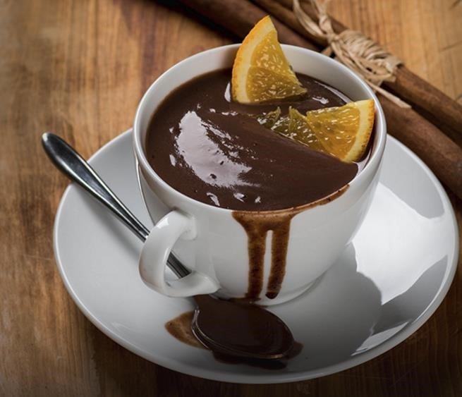 Chocolate a la taza con naranja