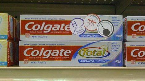 Investigan sobre la presencia de triclosán en la pasta de dientes Colgate Total